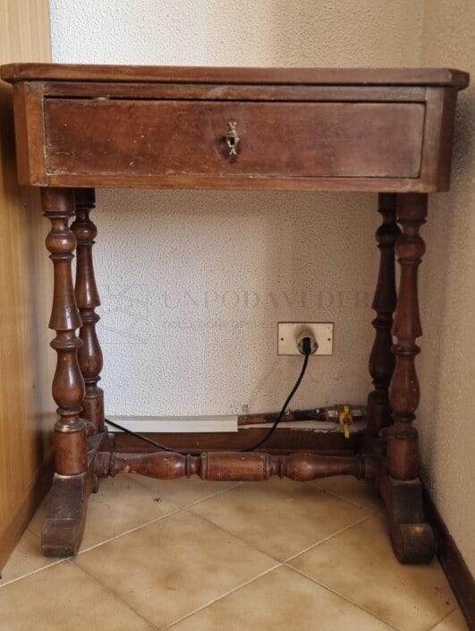 Scrittoio antico in legno