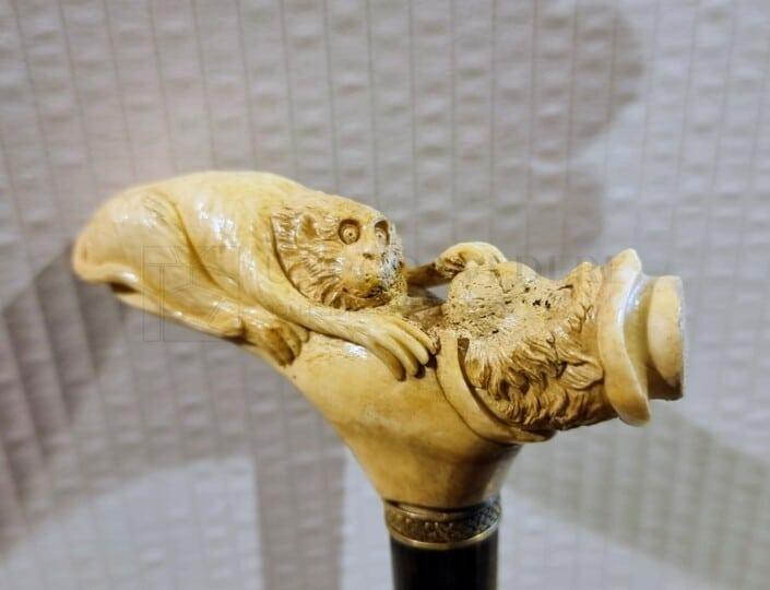 Bastone da passeggio con manico in avorio dettaglio intarsi
